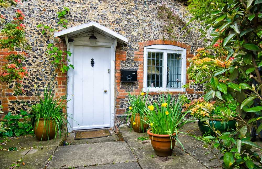 Top tips: How to get your London home sold this spring